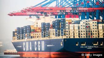 عظیمترین کشتی باری جهان در بندر هامبورگ