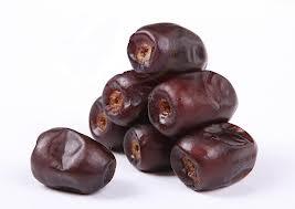 خرمای ماه رمضان کیلویی 9000 تومان/ سود 300 درصدی خرما در جیب دلالان