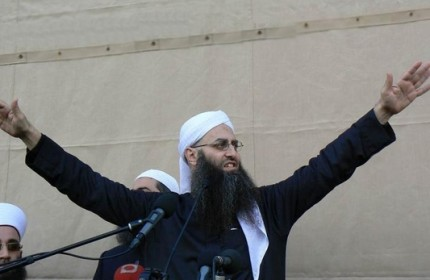 احمد الاسیر با متهم کردن حزبالله طرفدارانش را به تظاهرات فراخواند