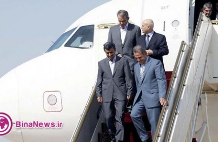 استقبال سرد مقامات از احمدی نژاد در گرماي 40 درجه بغداد