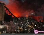 آتش سوزی در کارخانه گلنار+۶عکس
