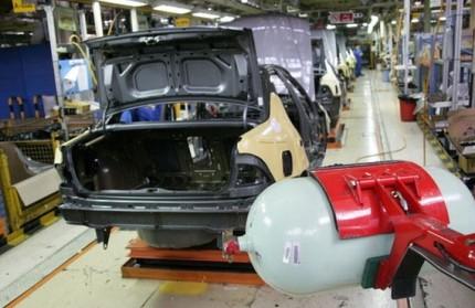 دلایل کاهش تولید خودروهای دوگانهسوز در کشور