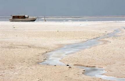 دریاچه ارومیه میمیرد، از بس که جان ندارد