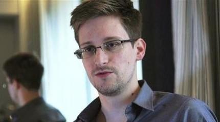 یک مقام عفو بینالملل با اسنودن ملاقات میکند