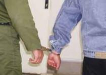 قتل بيرحمانه با لباس پليس/ قاتل: با همسرم رابطه داشت