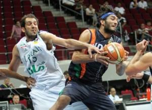 تیم ملی بسکتبال ایران با نتیجه 102 بر 58 ، هندوستان را برد