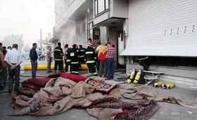 آتشسوزی در یک انبار فرش در سمنان