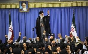 رهبر معظم انقلاب : ضرورتی ندارد سپاه در عرصه سیاسی فعالیت کند