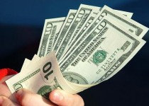 زمانیان: قیمت ارز باید به 2450 تومان برسد/ باید بر قیمتگذاری کالاها نظارت شود