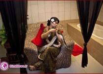 ماساژ درمانی با مار پیتون+ تصاویر