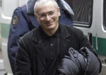 خودورکوفسکی آزاد شد و به مقصد آلمان پرواز کرد