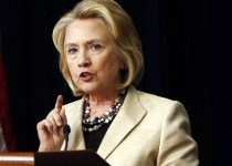 درخواست کلینتون برای عدم وضع تحریمهای جدید علیه ایران