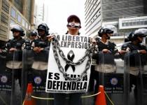 سه کشته در جریان اعتراضات ضد دولتی در پایتخت ونزوئلا