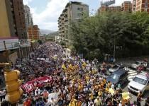 ادامه تظاهرات معترضان در ونزوئلا/ آزادی شماری از دستگیرشدگان