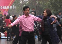 موسیقی و حرکات موزون؛ استراتژی دولت ویتنام در برابر معترضان ضدچینی