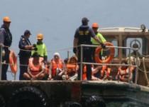 """زندگی وحشتناک ایرانیهای مهاجر در """"جزیره مانوس"""""""