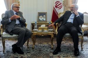 ظریف: سازمان ملل نقشی مستقل در حل بحران سوریه ایفا کند