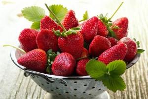 کاهش کلسترول بد با مصرف توت فرنگی