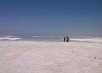 دریاچه ارومیه سیر قهقرایی خود را طی میکند
