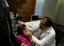چشم «شوخان» توسط وزیر بهداشت جراحی شد