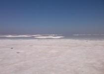اقدام فوری برای برداشت نمک دریاچه ارومیه