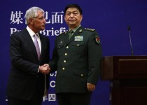 کنفرانس خبری پر سروصدای وزیران دفاع آمریکا و چین