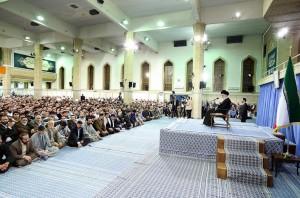 مقام معظم رهبری: در جلسات دینی نباید به کینهورزیهای مذهبی دامن زد