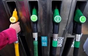 سالاری : بنزین وارداتی یورو 2 است، نه یورو4 !