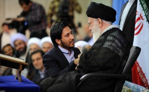 رهبر انقلاب: دنیای اسلام متوجه توطئه دشمن خود نیست