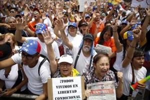تظاهرات ونزوئلاییها در اعتراض به تداوم بازداشت رهبر مخالفان