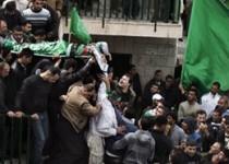 تشییع پیکر جوان فلسطینی بر دستان هزاران فلسطینی خشمگین