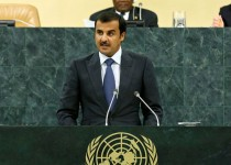 ابراز تعجب امیر قطر از مواضع بان کی مون درباره نقض آتشبس در غزه