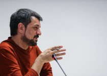 شهریاری: تلویزیون این روزها آشفته شده / احسان علیخانی ریسک کند