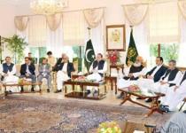 نواز شریف: استعفا نمیدهم/ دیدار نخستوزیر پاکستان با رهبران ارتش
