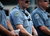 به لباس پلیس فرگوسن دوربین اضافه شد