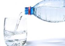 از مصرف طولانی مدت بطریهای پلاستیکی خودداری کنید