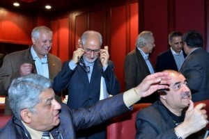 پولدارها در صف عینک سوغاتی/ تصاویر