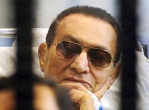 """حسنی مبارک در """"پرونده قرن"""" تبرئه شد"""