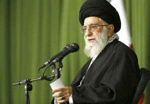 رهبر معظم انقلاب: روحیه مقاومت مایه آبرو و اعتبار نیروهای مسلح است