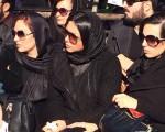 همخوانی جوانان در چهلم مرتضی پاشایی/عکس