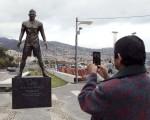 مجسمه ۸۰۰ کیلویی کریستیانو رونالدو در زادگاهش/تصاویر