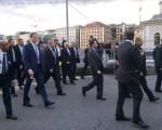 پیادهروی ظریف و کری در خیابان ژنو /تصاویر