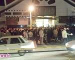 برگزاری کنسرت با وجود تجمع اعتراضی دلواپسان بوشهری/تصاویر