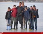 بازی کودکان بر روی آبهای یخزده رود ارس در نقطه صفر مرزی/تصاویر