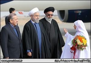رئیس جمهور وارد اصفهان شد