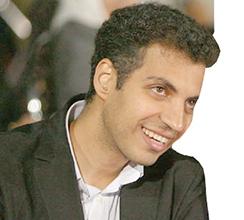 عادل فردوسیپور روی صحنه تئاتر