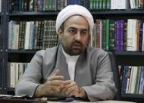 حجت الاسلام زائری: چرا اجازه دادید احمدینژاد با پررويی بالایسن بيايد؟