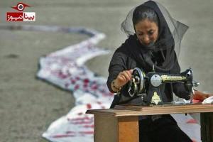 سوگواری نمادین یک دختر در مرگ دریاچه ارومیه/4عکس