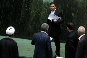 با 175 رای مخالف استیضاح؛ آخوندی وزیر راه ماند