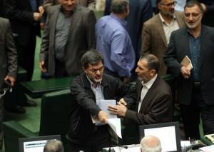 تنش در صحن علنی مجلس پس از تصویب جزئیات برجام/ تصاویر